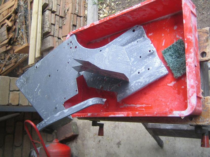 Name:  DS-fender-rust-gone-with-patch-3.jpg Views: 400 Size:  84.5 KB