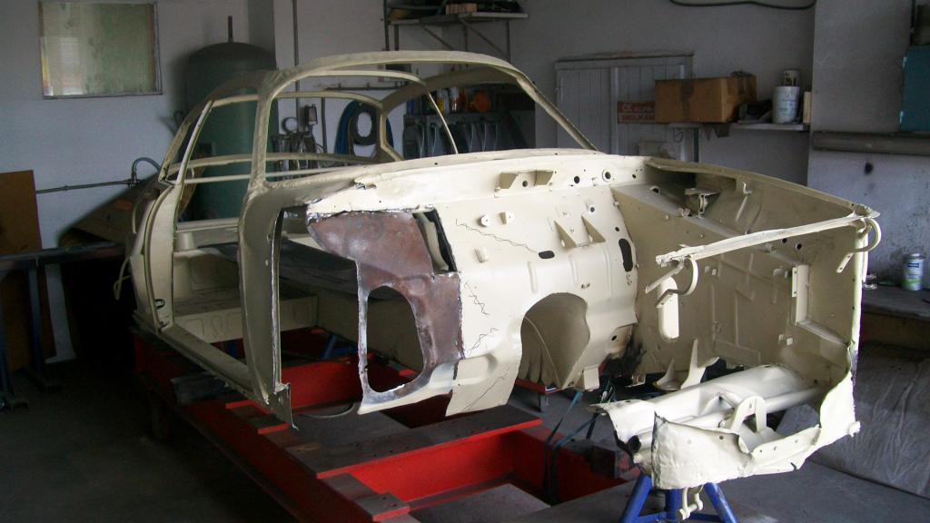 Name:  Lancia Appia Karosserieaufbau Vorbau 001.jpg Views: 1249 Size:  68.8 KB