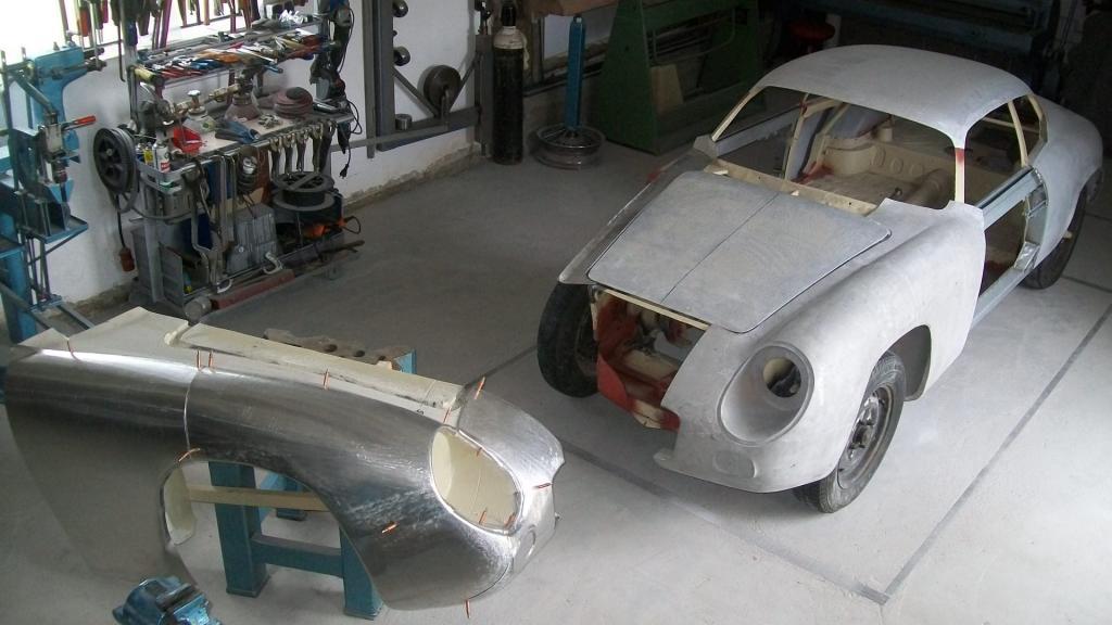Name:  Lancia Appia Zagato Karosserieaufbau vorne rechts 001.jpg Views: 1237 Size:  74.4 KB
